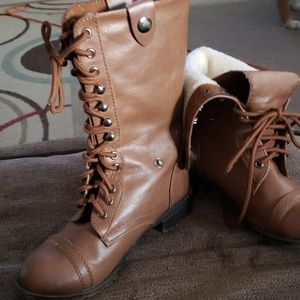 Soda lace up boots